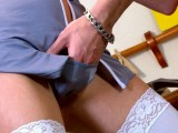 Vidéo porno mobile : Thr stewardess gets assfucked by a dissatisfied customer